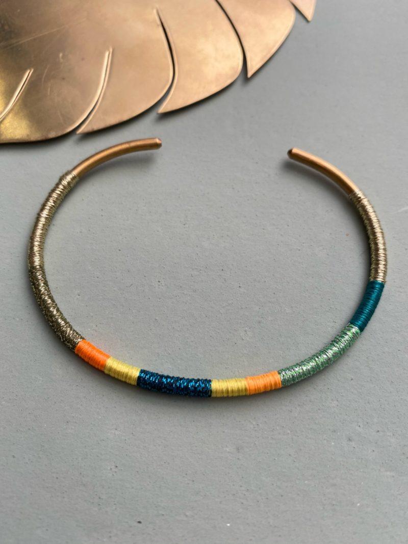Tous nos bijoux sont réalisés à la main. Les couleurs et dimensions peuvent de ce fait varier. Certains articles sont susceptibles de contenir des imperfections ou irrégularités.