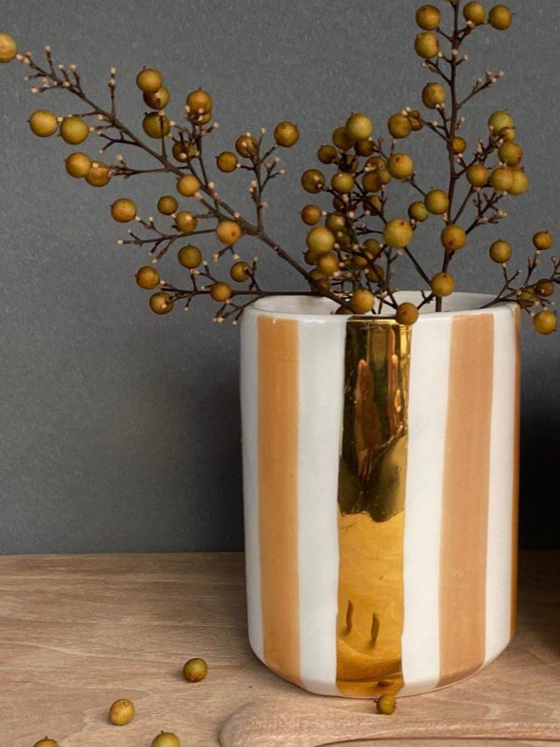 Chabichic-plat-saladier-vert-bleu-vaisselle-rose-bol-récipient-céramique-blanche-gold-maroc-marrakech-artisanat-céramique-blanche-choufchouf-ourika-céaldon-tasse-terracotta-gold