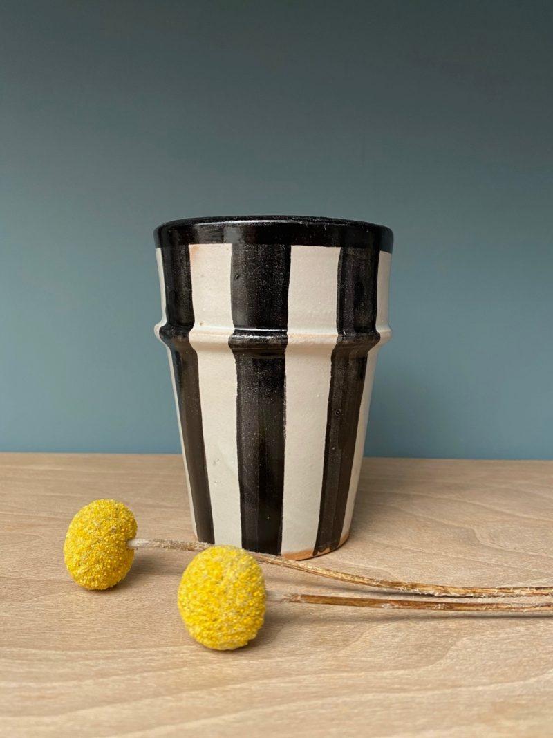 Mug-tasse-nespresso-thé-fès-noir-maroc-marrakech-artisanat-céramique-blanche-beldi-café-expresso-thé-choufchouf