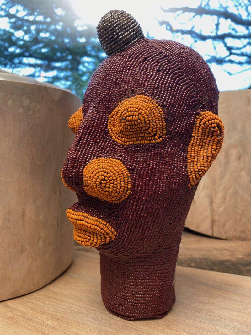 Tête perlée-bamiléké-terre-perle-Afrique-africaine-décoration
