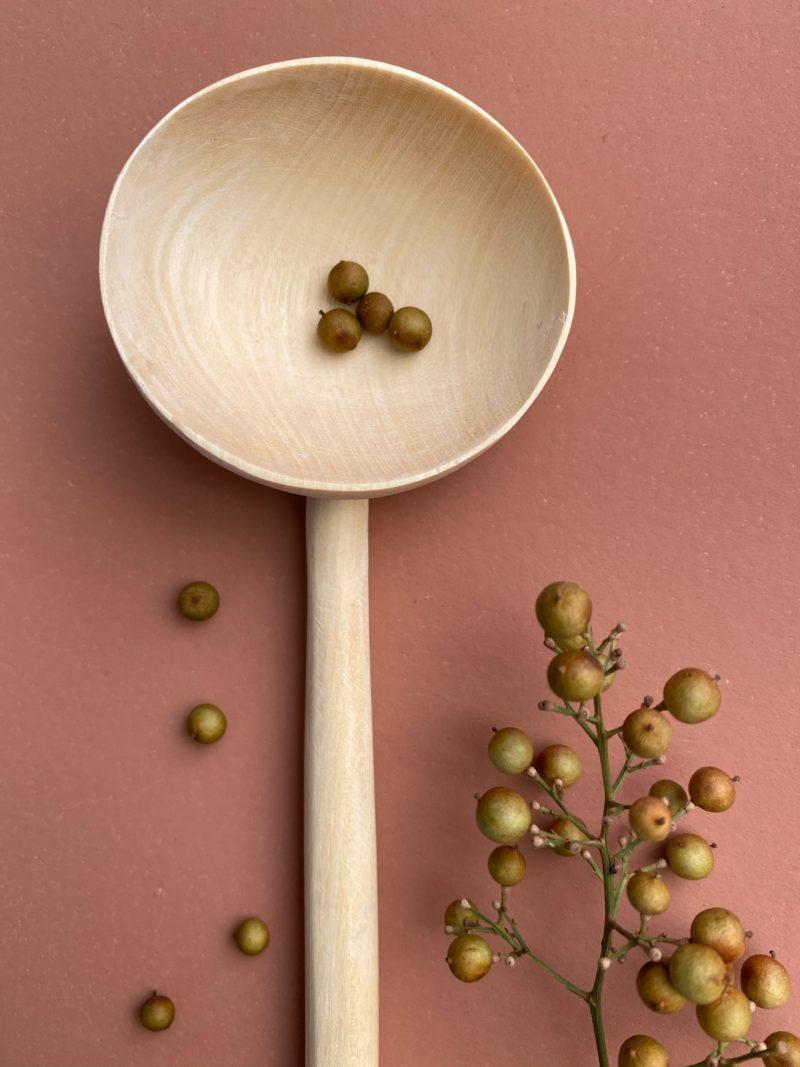 choufchouf-bois-maroc-marrakech-spatule-cuisine-noyer-artisanat-planches-découper-cuisiner-apéritif-présentation-cuillière