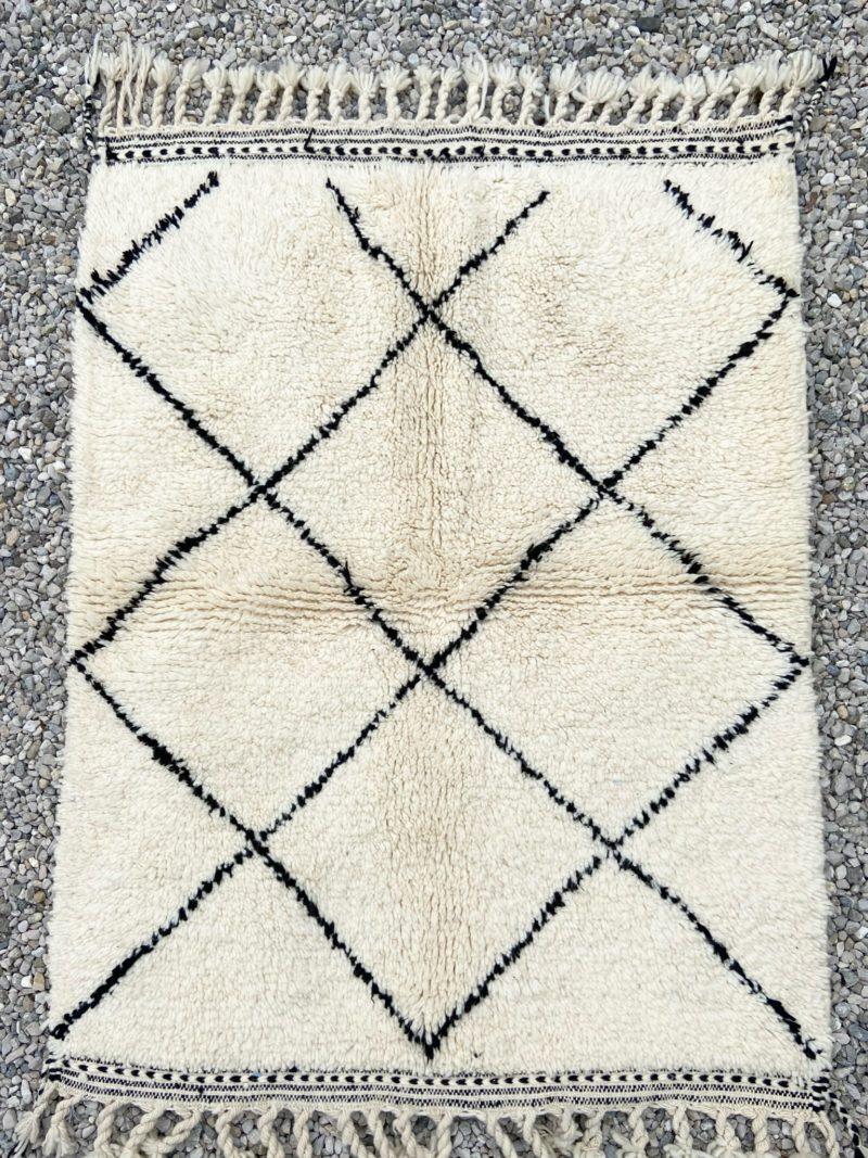 Tapis-tapis berbères-beni ouarian-maroc-marrakech-atlas-femme-noué-tissé-laine-